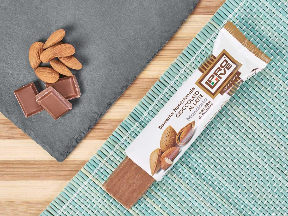 prolive barretta proteica cioccolato latte mandorla