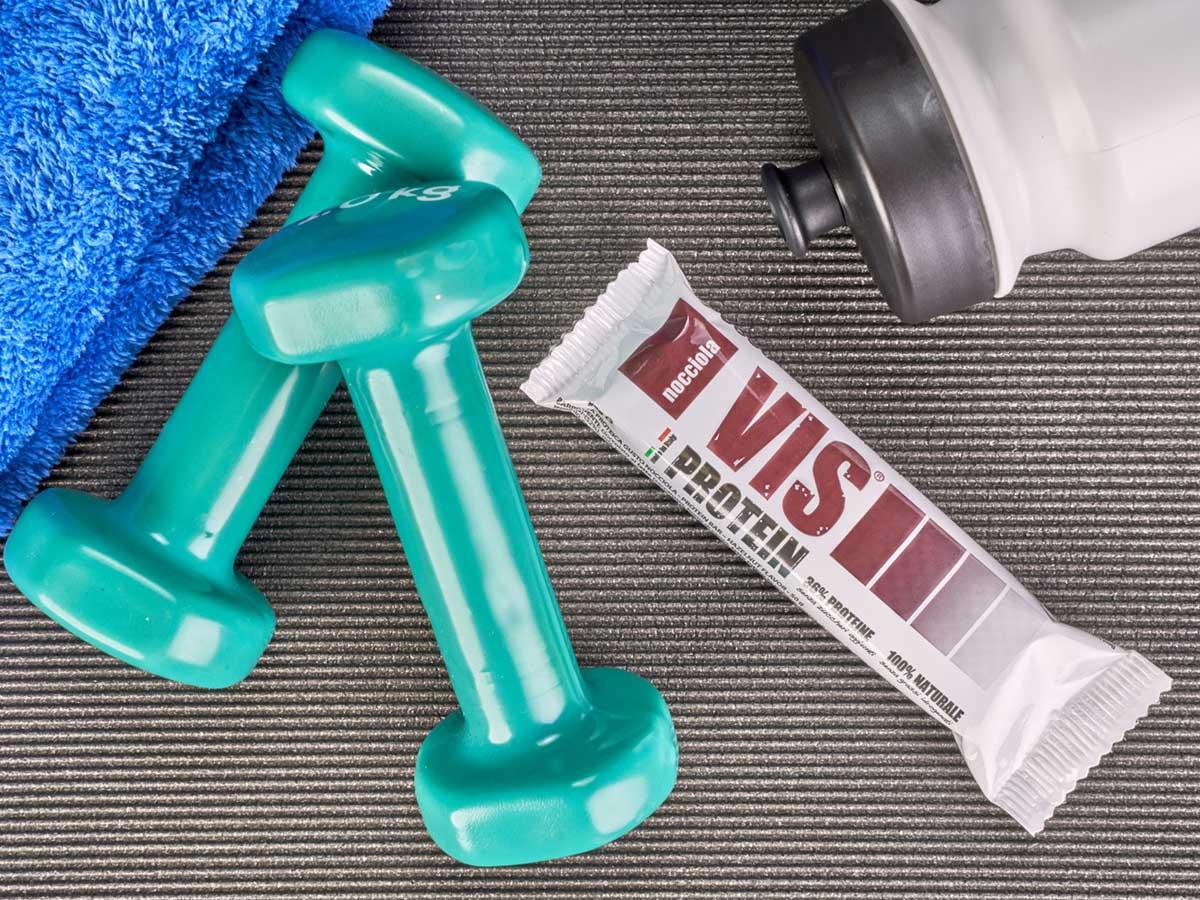 Vis Protein barretta proteica cioccolato latte nocciole